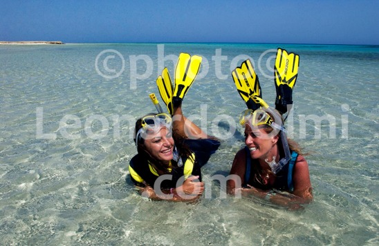 Egypt, Marsa Alam, snorkeling at Sharm el Luli beach