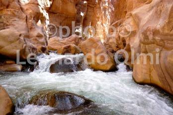 Jordan, Al Mujib Reserve, river inside canyon P1070725 bis JPG copy