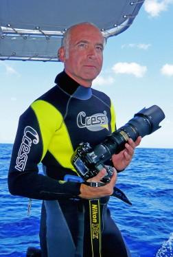 Leonardo Olmi, Tahiti, French Polynesia, waiting for humpback whales P1000223 TIF bis2