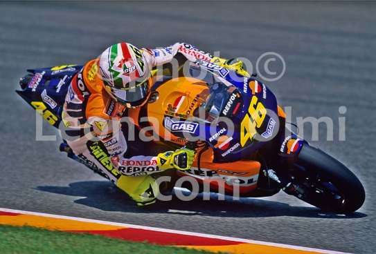 MotoGP, Valentino Rossi, Honda RC211V, Italy, Mugello GP 2002 (68-7) JPG2 copy