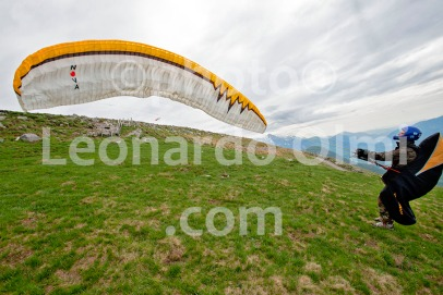 Paragliding, Slovenia DSC_9351 bis JPG copy