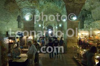 Croatia, Split, Diocletian's Palace, underground, souvenir shops, people DSC_1605 TIF copia copy