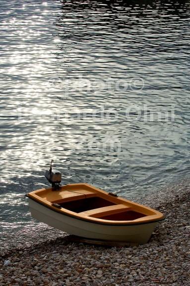 Croatia, Vis island, Komiža, beach, boat DSC_0827 TIF copia copy