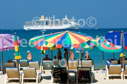 Thailand, Phuket island, Patong Beach, cruise ship DSC_0017 TIF copia copy