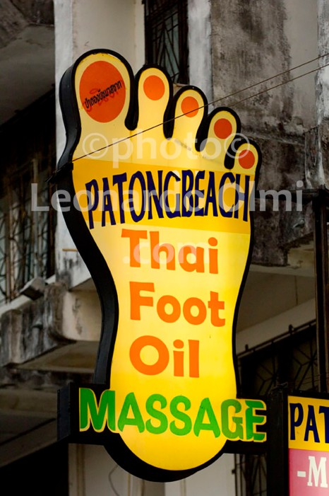 Thailand, Phuket island, Patong Beach, massage shop sign DSC_0305 TIF copia copy