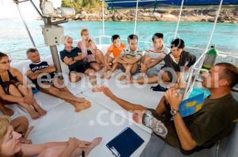 Thailand, Similan islands, liveaboard dive cruise, divers breafing DSC_0028 TIF copia copy